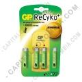 Cargador de Pilas GP Recyko de baterías AA y AAA con cuatro (4) pilas AA de 2100 mAh