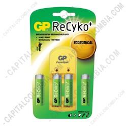 Ampliar foto de Cargador de Pilas GP Recyko de baterías AA y AAA con cuatro (4) pilas AA de 2100 mAh